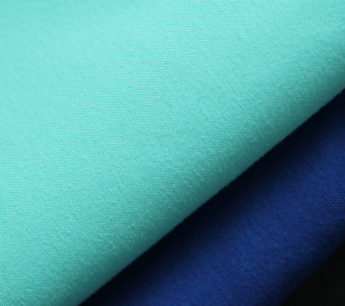 108 Gsm Polyester Knit Fabric Colorful Water Repellent And Eco-Friendly