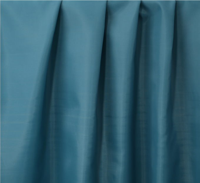 Plain Dyed Polyester Taffeta Fabric 190T 50 Gsm Bright Appearance Super Soft